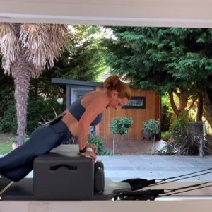 'Wakey Wakey Abs and Spine' Reformer Class - 60 mins